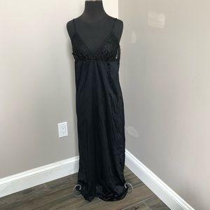vintage slip edward sayhaly size medium black lace